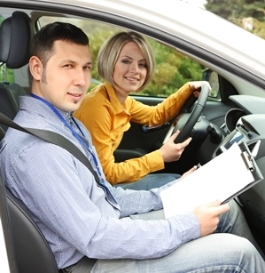 A Driving Rehab Specialist evaluates a client.